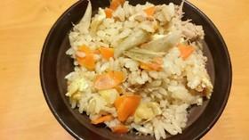 ツナ缶で炊き込みご飯☆