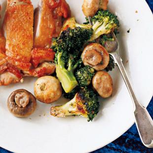 ブロッコリーとマッシュルームのオイル蒸し焼き
