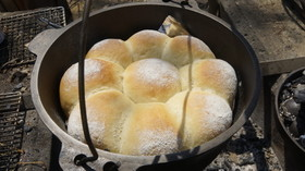 ダッチオーブンde 低温熟成花まるパン