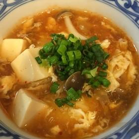 簡単ヘルシー♥キムチと豆腐のとろみスープ
