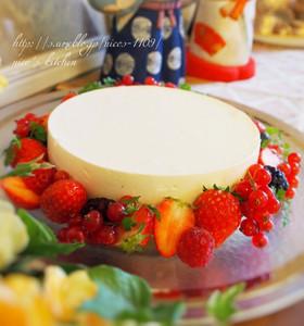 苺たっぷり♡簡単レアチーズケーキ