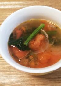 トマトとほうれん草のスープ