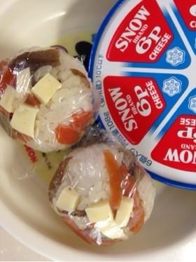 きんぴらの余りdeチーズむすび
