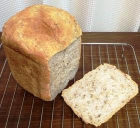 もち麦入り雑穀トースト