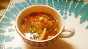 食べるトマトスープの写真