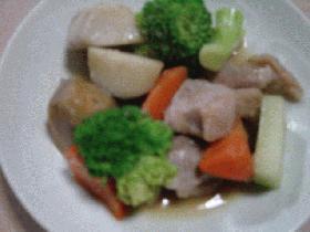 鶏モモ肉と里芋、ブロッコリーの洋風煮物