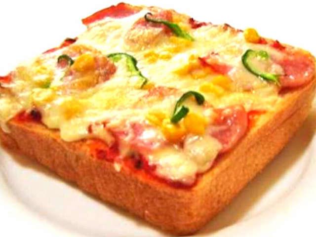 簡単、食パンでピザパン、ピザ