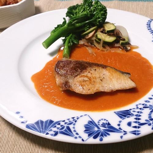 鰤のムニエル野菜ジュースで簡単彩りソース