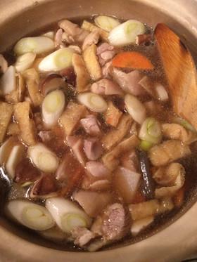 簡単で本格的☆ごま油香る うどん鍋