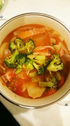 ほんのり甘め◎体あったかトマトスープ