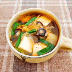 しじみと豆腐の野菜キムチスープ