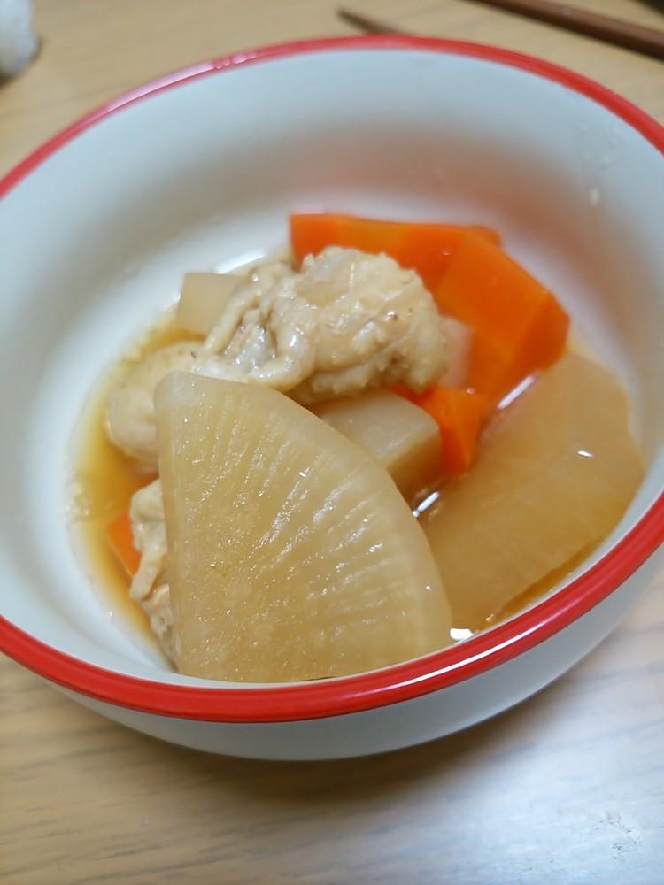 鶏ハム作りで余った皮と野菜の煮物