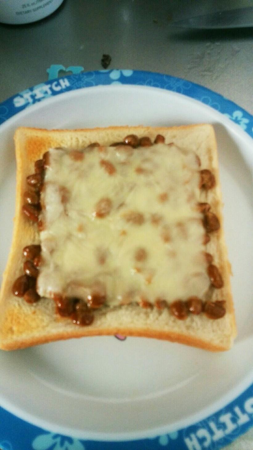 朝食にいかが?納豆チーズトースト