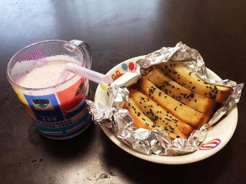セサミラスク☆いちごミルク☆