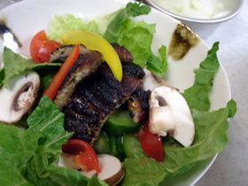 鰻のサラダカレーバルサミコソース