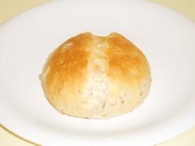 ライフレーク(押し麦)入りの丸パン