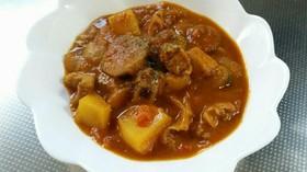 小麦粉不使用鶏肉と茄子のトマトカレー