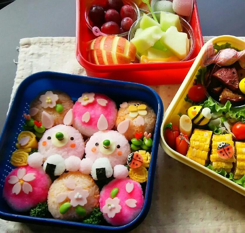 お花見弁当♡うさちゃんと桜おにぎり♪