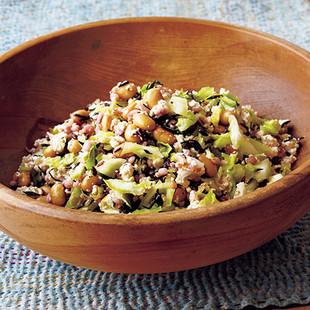 雑穀米と塩もみキャベツのヘルシーサラダ