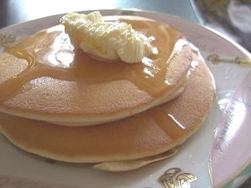 小麦粉から作る簡単ホットケーキ