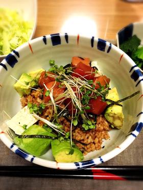 酵素玄米★まぐろ豆腐アボカド☆明太マヨ丼