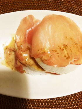 まるごと新玉ねぎの生ハムサンドサラダ