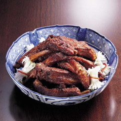 スペアリブの紅腐乳風味(ホンフールー)