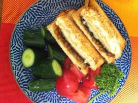 のびーる納豆と海苔とチーズのホットサンド