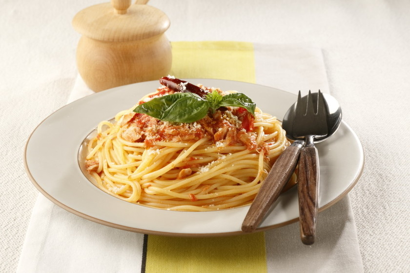 包丁を使わない簡単トマトパスタ