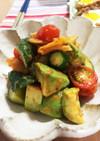 白菜キムチとアボカドの簡単サラダ