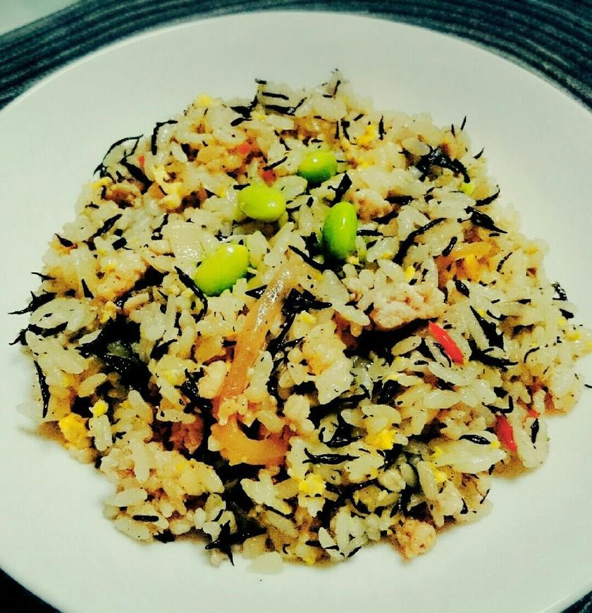 簡単☆鶏ひき肉とひじきの炒飯