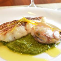 真鯛とハマグリの白ワイン蒸し 菜の花のソース