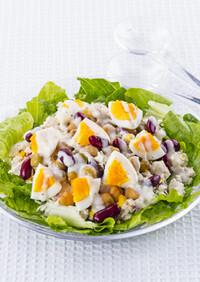 ロメインレタスと鶏肉のシーザーサラダ