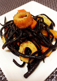 簡単おいしい常備菜♡基本のひじきの煮物