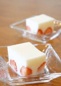 苺の牛乳寒天