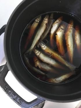 ストウブ(18センチ)で小魚の甘露煮