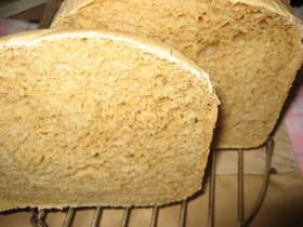薄力粉とホエーでふわふわ黒糖食パン♪