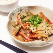 簡単☆豚肉とごぼうの味噌マヨ炒めの写真