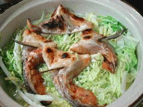 鮭のアラで白菜湯豆腐鍋