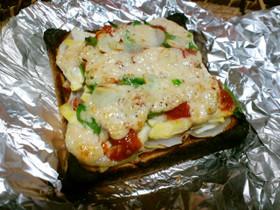 筍とスナップエンドウでピザトースト
