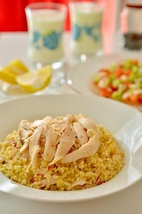 トルコの家庭料理☆チキンのブルグルピラフ
