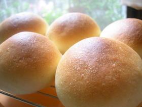 初めてでも簡単レーズン酵母の丸パン♡