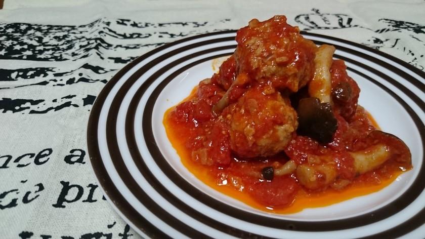 ふわふわミートボールのトマト煮