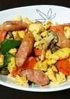 野菜とウインナーの卵炒め