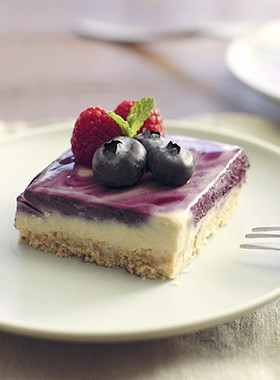 マキベリーのマーブルレアチーズケーキ