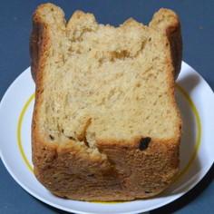 チーズとプルーン入りの食パン