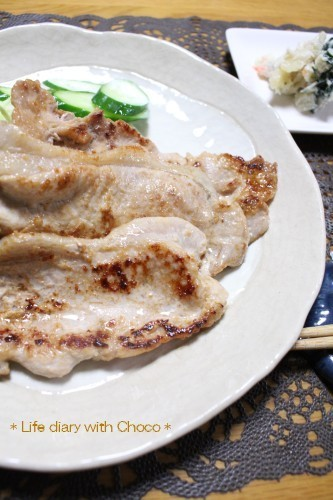 スタミナ抜群☆ホシサンあまくちで生姜焼き