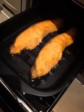 水なし簡単!グリルパンで時短★鮭の塩焼き