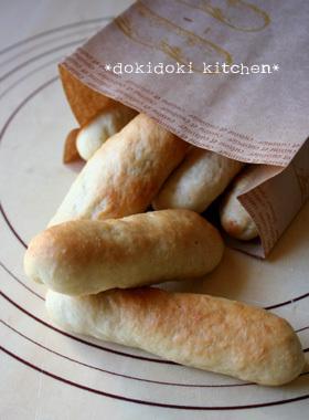 HBで♡バナナ風味のスナックパン