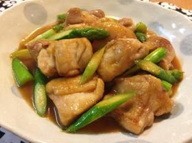 鶏もも肉とアスパラの甘辛味噌炒め♪